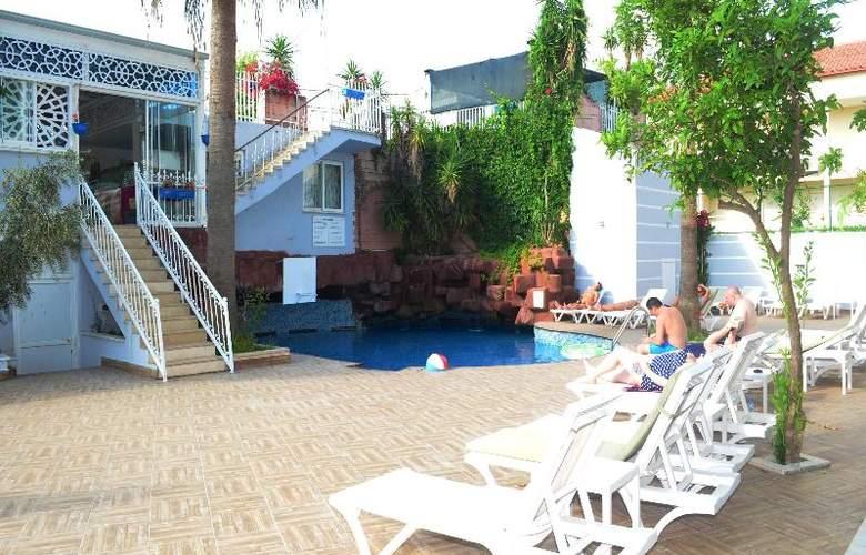 Sunbird Apart Hotel - Pool - 27