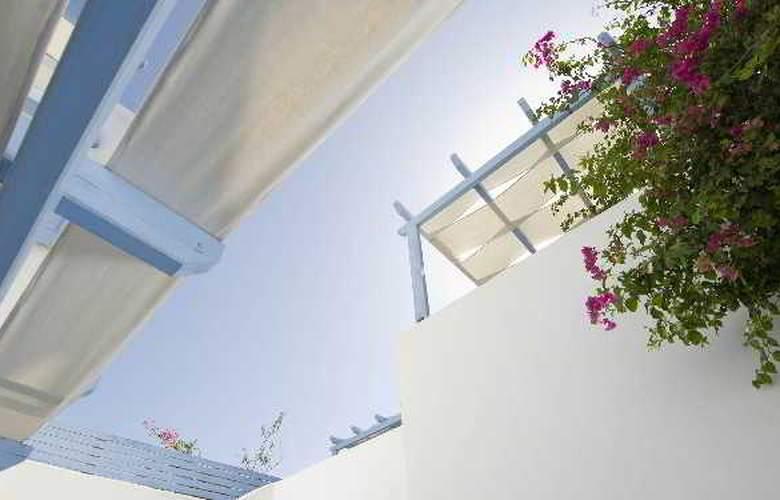 Amelie Santorini Hotel - Terrace - 13