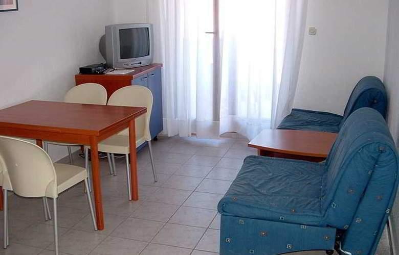 Apartman Klara - Room - 4