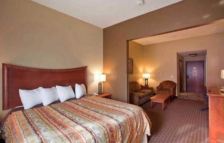 Best Western Plus Grand Island Inn & Suites - Hotel - 1