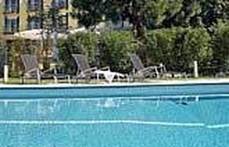 Clarion Hotel Hirschen - Pool - 5