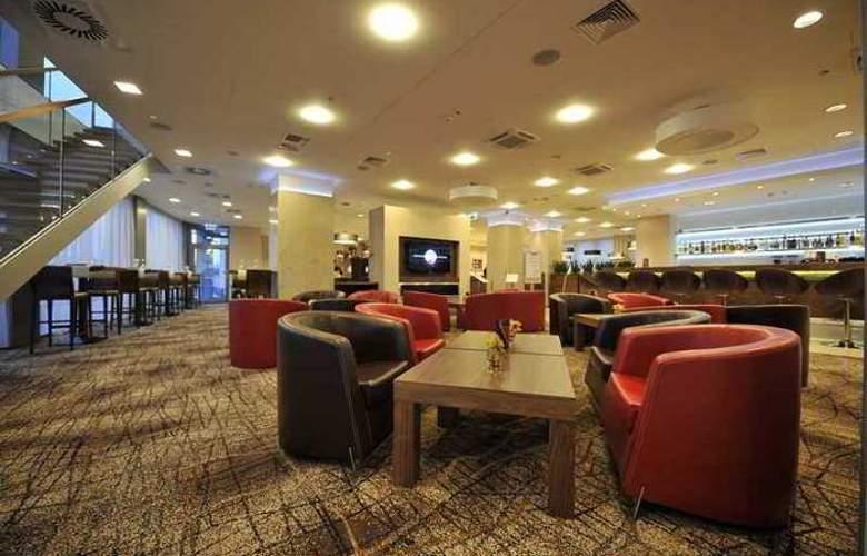 Hilton Garden Inn Krakow - Hotel - 7