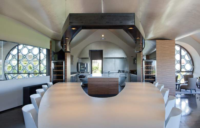 Domus Selecta Cava & Hotel Mastinell - Restaurant - 37