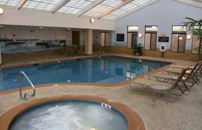 Hampton Inn Portsmouth - Hotel - 4