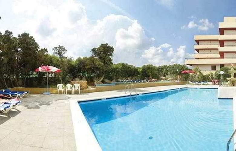 Apartamentos San Antonio Beach - Pool - 5