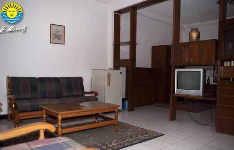 St. Moritz Hotel - Room - 9