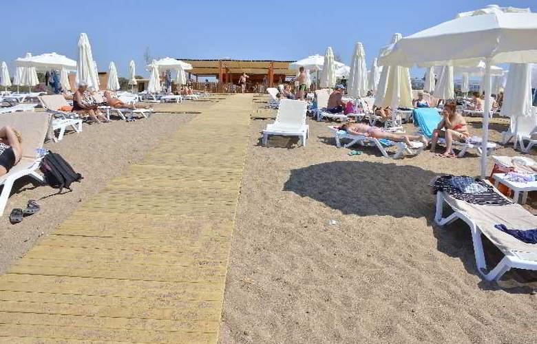 Water Side Delux Resort - Beach - 61