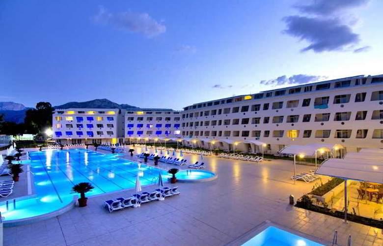 Daima Biz Hotel - Hotel - 0