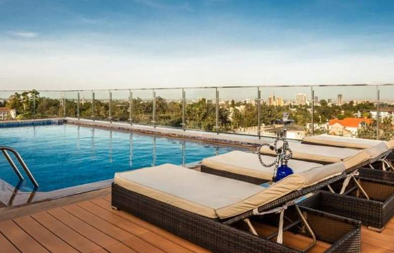 Four Points by Sheraton Nairobi Hurlingham - Pool - 2