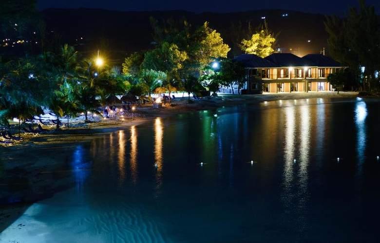 Riviera Marina - Hotel - 10