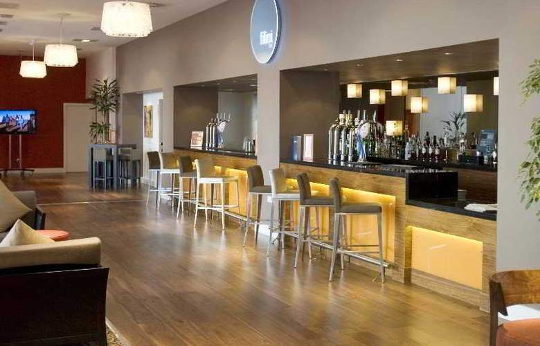 Radisson Blu Cardiff - Bar - 6