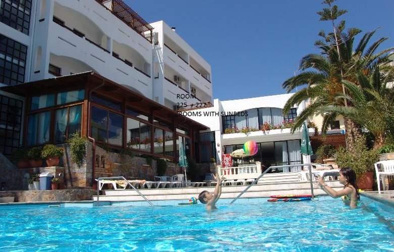 Albatros - Hotel - 12