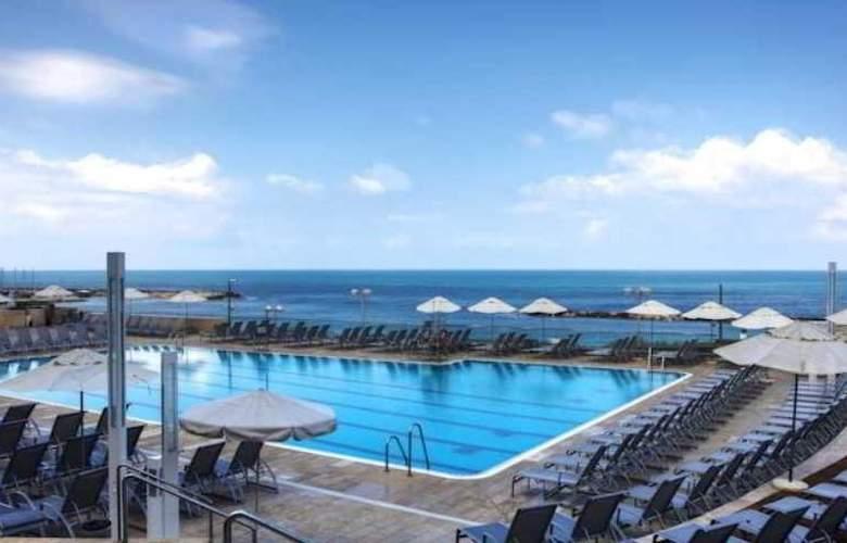 Hilton Tel Aviv - Pool - 1