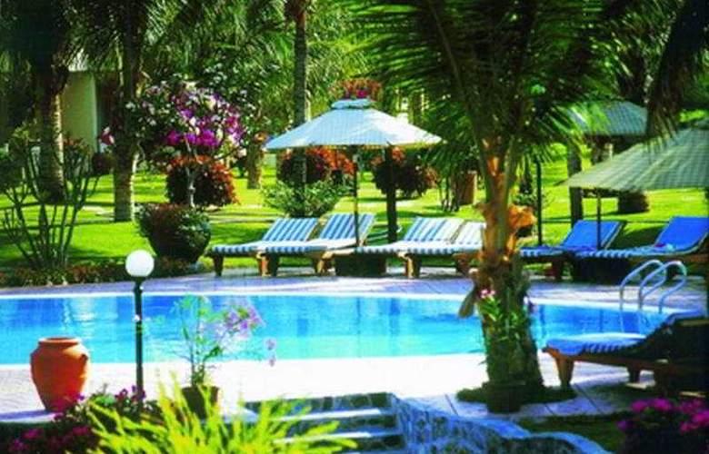 Saigon Mui Ne Resort - Pool - 5