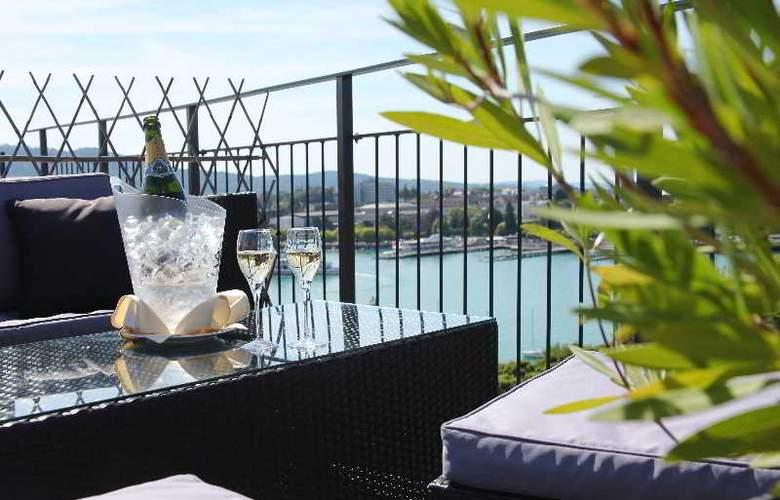 Ambassador Swiss Quality Hotel - Terrace - 14