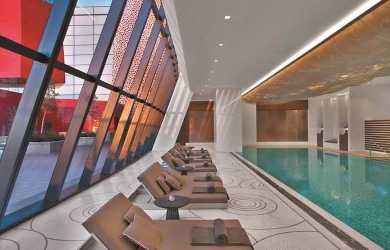 Fairmont Baku, Flame Towers - Pool - 3