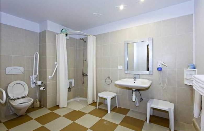 Three Corners Rihana Resort - Room - 11