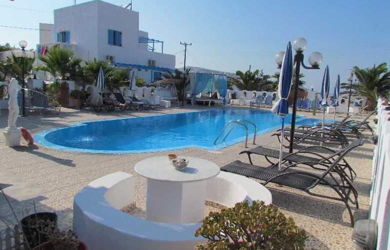 Pension Livadaros - Pool - 7