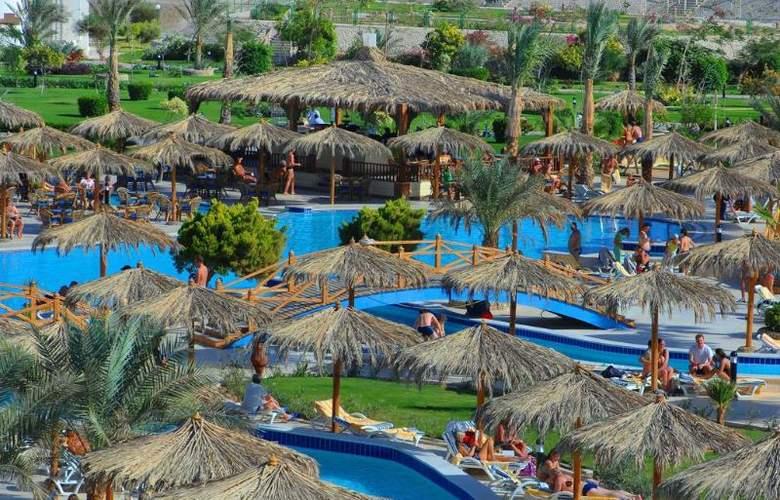 Hilton Long Beach Resort - Pool - 21