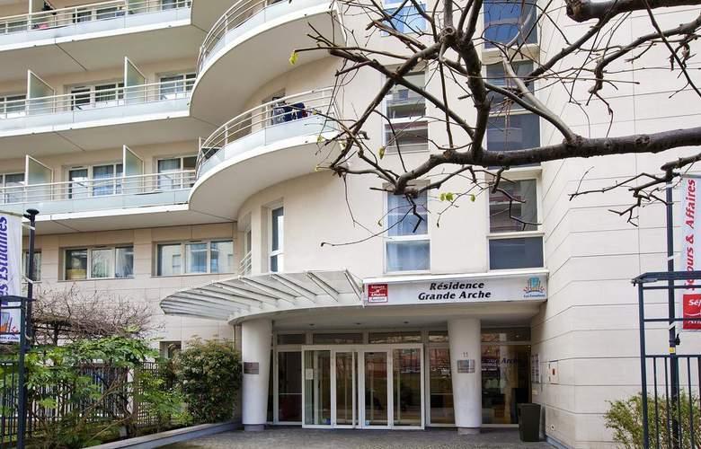 Séjours & Affaires Courbevoie Grande Arche - Hotel - 0