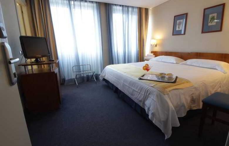 JFK hotel - Room - 15