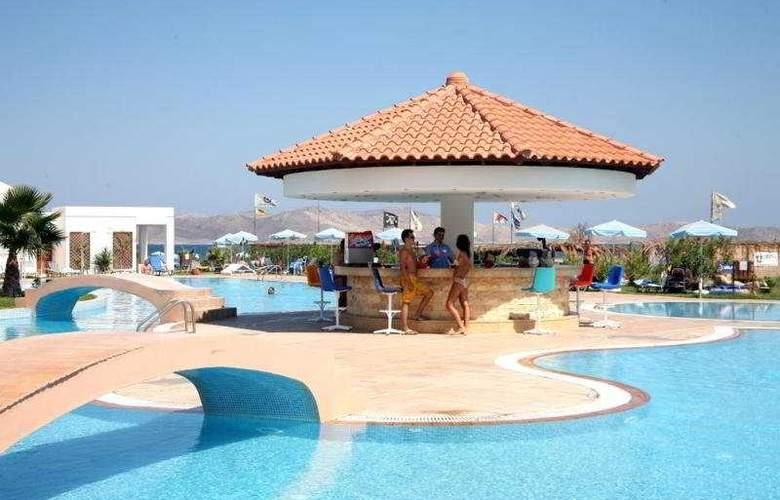 Marmari Beach - Bar - 9