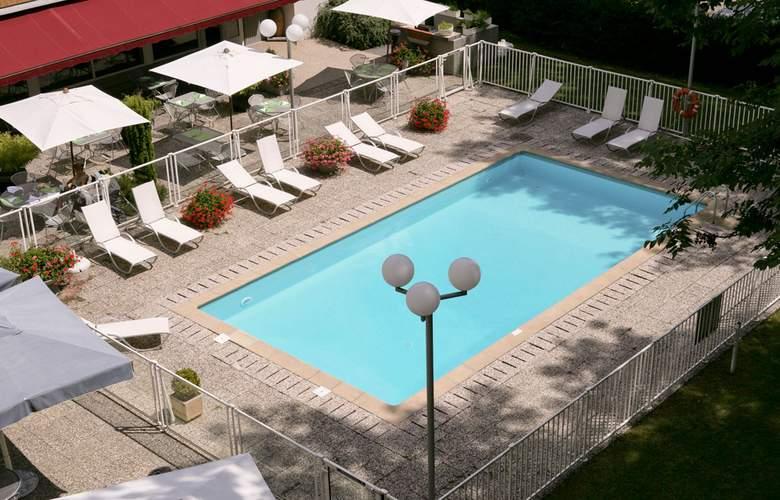 Ibis Styles Besancon - Pool - 1