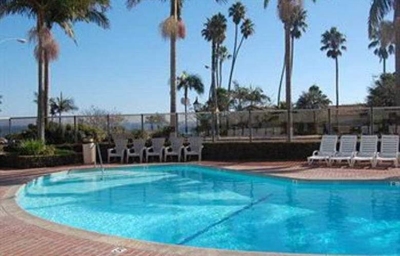 Hyatt Centric Santa Barbara - Pool - 3