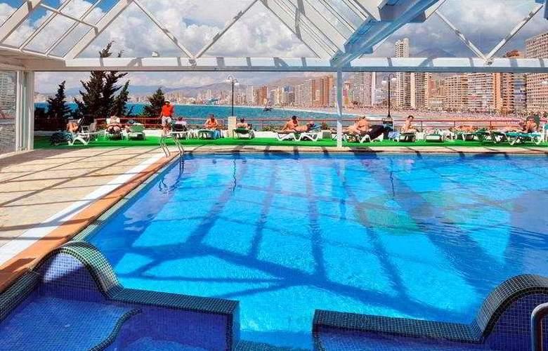 Benikaktus - Pool - 2