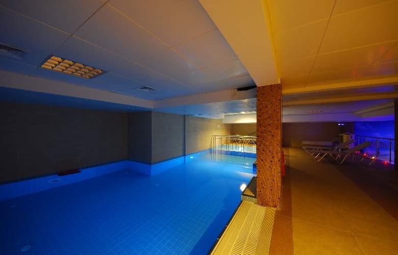 Pasa Beach Hotel - Pool - 8