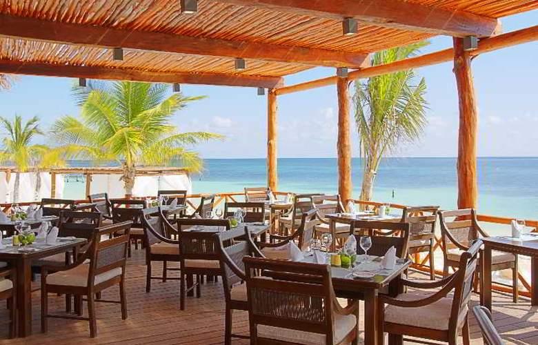 Azul Beach & Hotel Resort Gourmet All Inclusive - Restaurant - 26