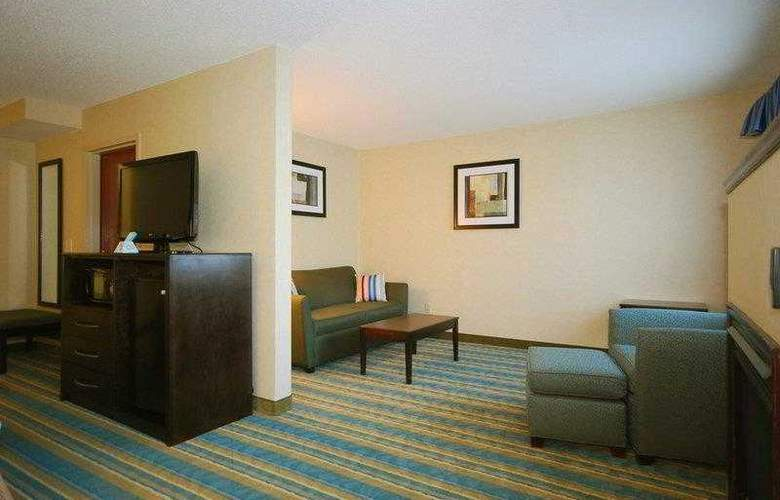 Berkshire Hills Inn & Suites - Hotel - 8