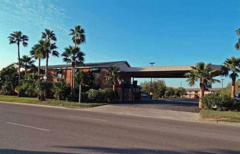 Best Western Rose Garden Inn - Hotel - 0