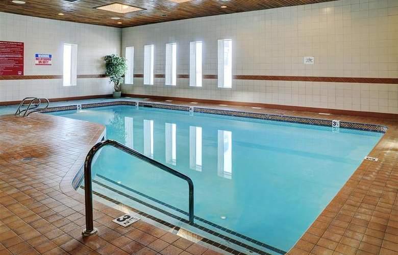 Coast West Edmonton Hotel & Conference Centre - Pool - 58
