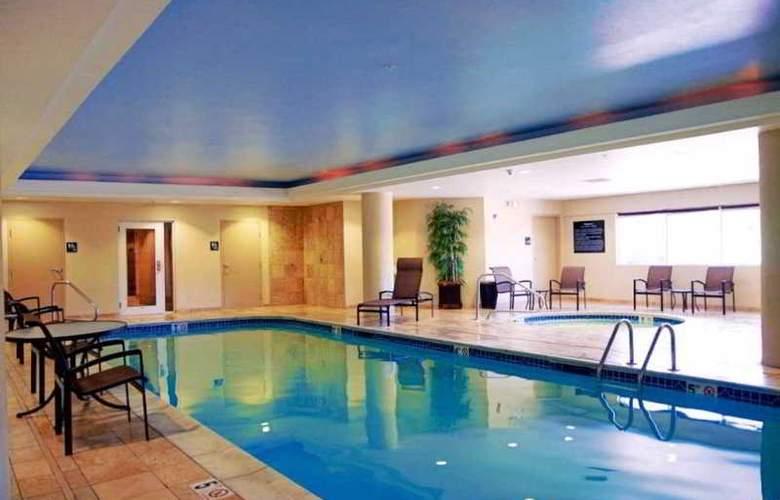 Hampton Inn & Suites Wells-Ogunquit - Pool - 7