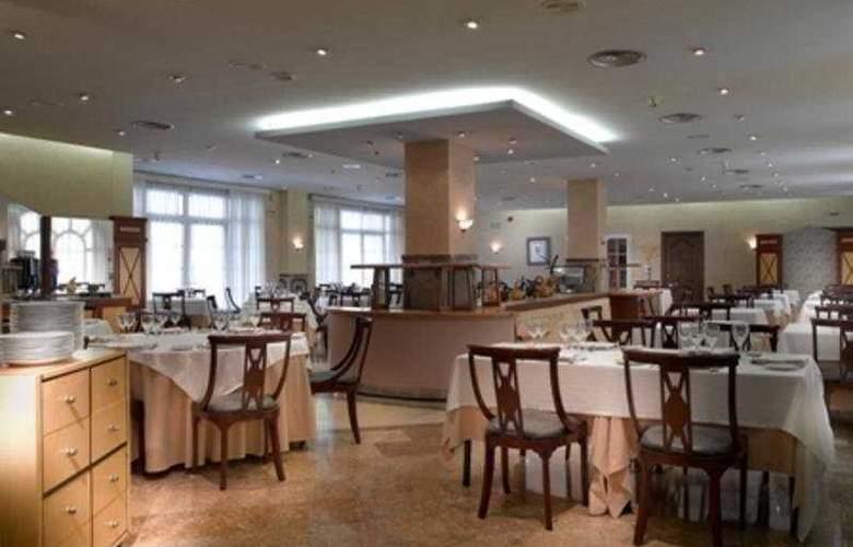 Macia Alfaros - Restaurant - 3