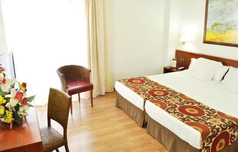 Catalonia Punta del Rey - Room - 6