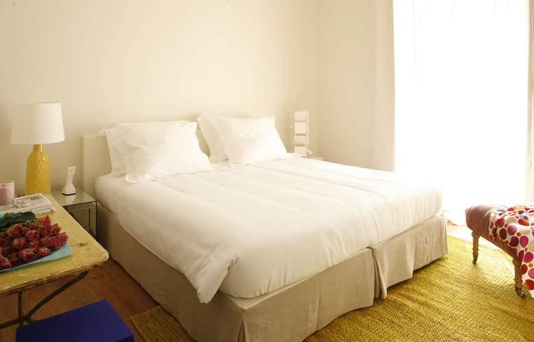 Casa Das Janelas Com Vista - Room - 9
