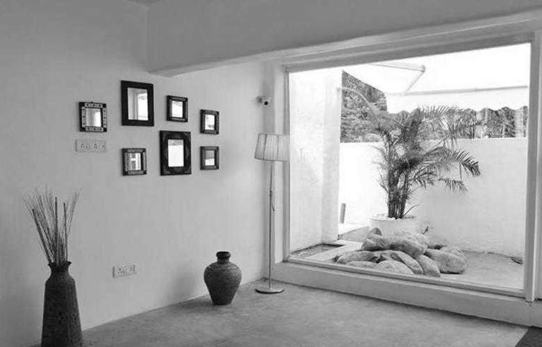 Azzure By Spree Goa - Room - 7