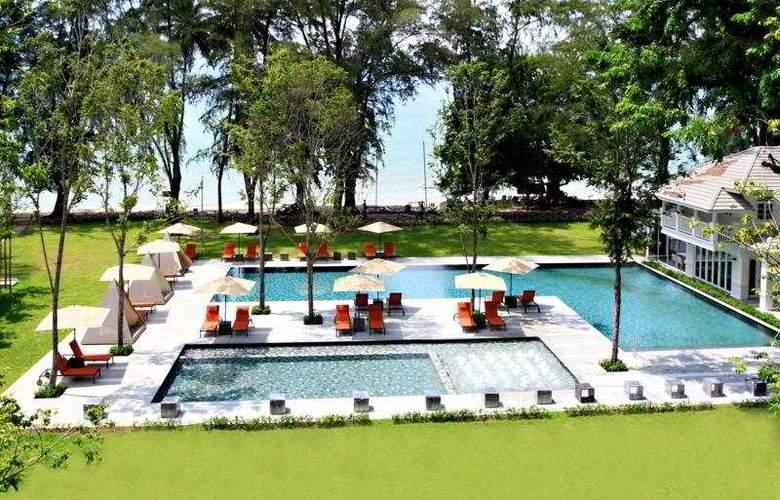Lone Pine Hotel Penang - Pool - 5
