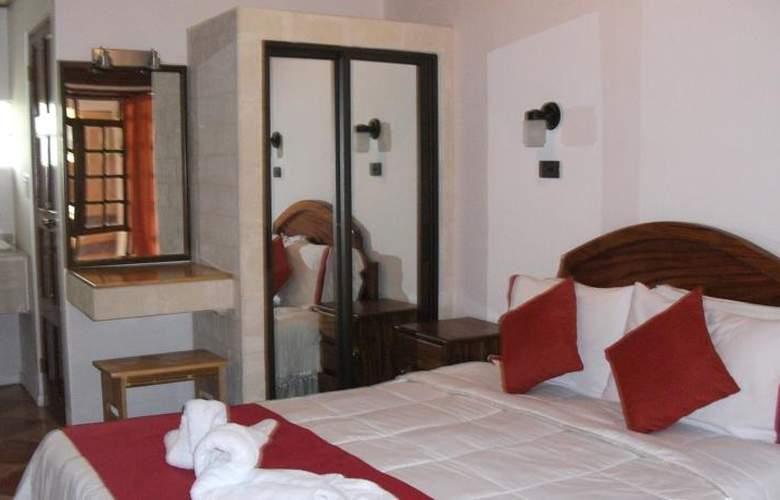 Copacabana hotel and suites - Room - 4