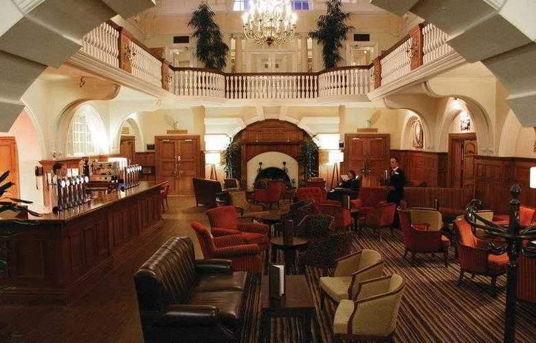 Best Western Chilworth Manor Hotel - Hotel - 40
