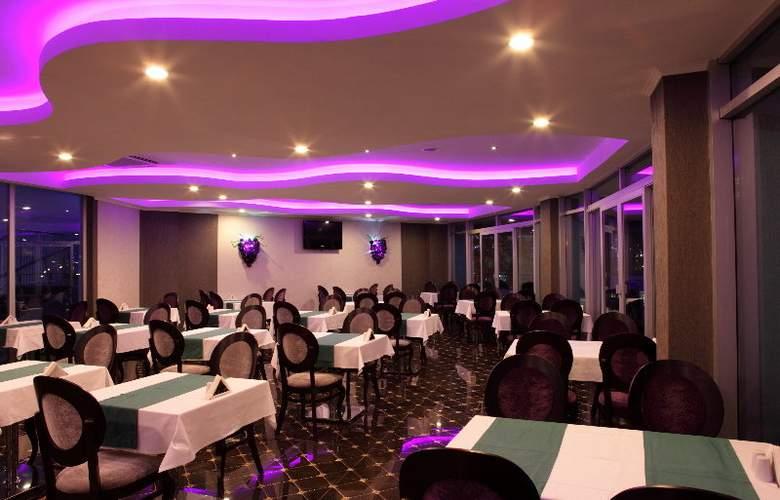 Ocean Blue High Class Hotel - Restaurant - 4