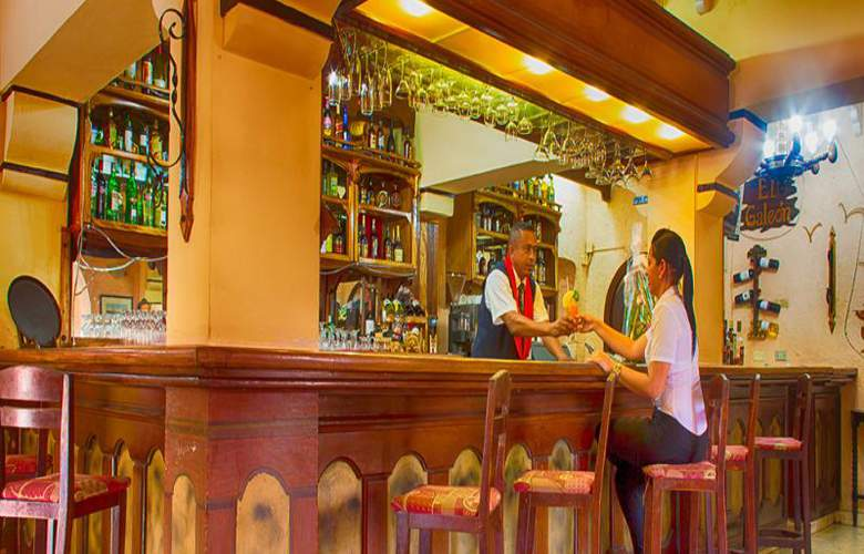 Dos Mares - Bar - 2