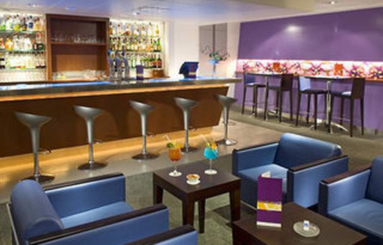 Holiday Inn Lyon - Vaise - Bar - 2