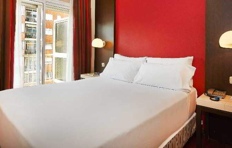 NH Barcelona Les Corts - Room - 9