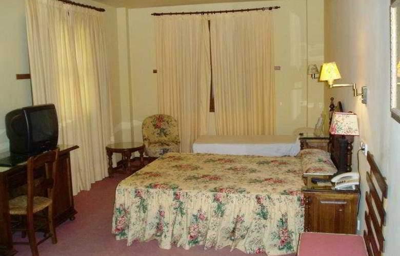 Puerta de la Villa - Room - 3
