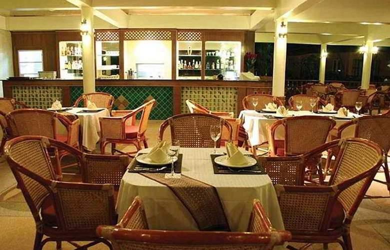 Lanta Casuarina Beach Resort - Restaurant - 10