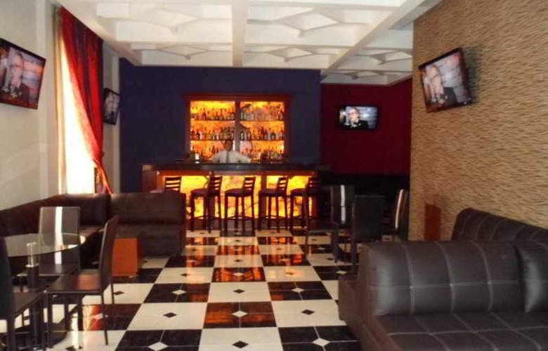 Plaza Campeche - Bar - 19