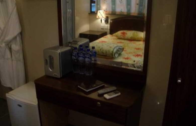 Tai Wan - Room - 5